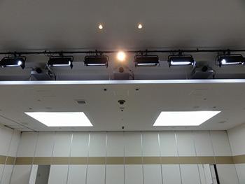 祭壇上部(DLPプロジェクター、演出照明)